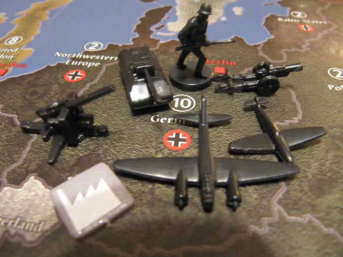 Axis & Allies 1942 - New anti-aircraft gun.